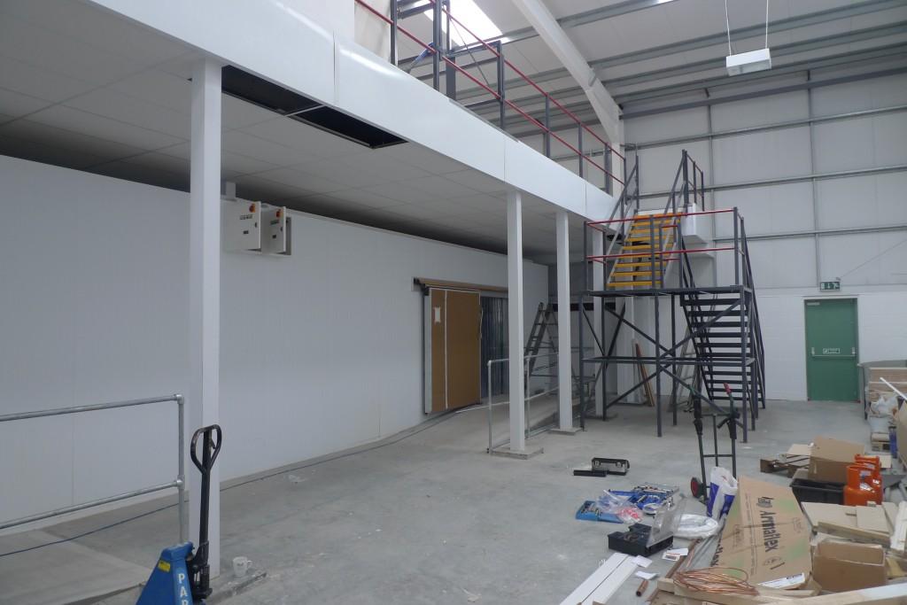 Wiltshire farm foods walsall mezzanine floor installation mezzanine - Mezzanine accommodatie ...